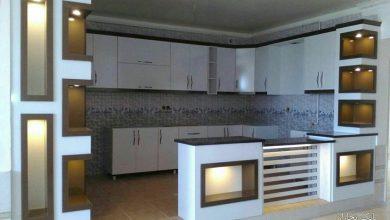 Photo of کابینت آشپزخانه حجمی سفید شکلاتی های گلاس ایرانی