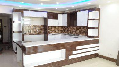 Photo of آشپزخانه کوچک با کابینت سفید گردویی و اوپن مدل دار