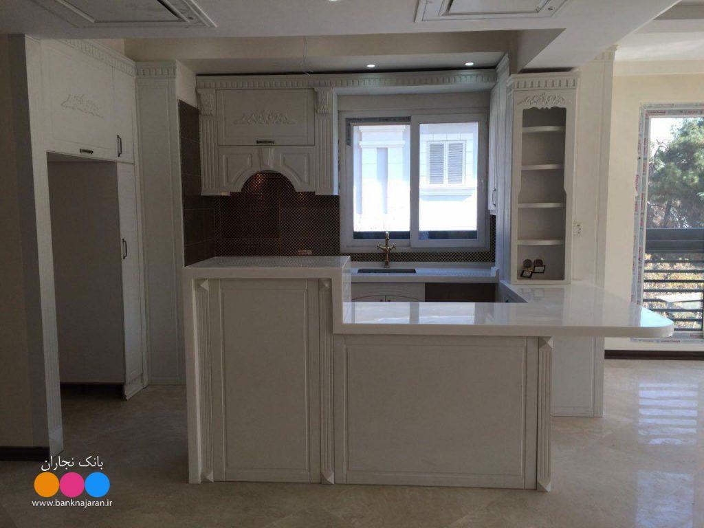 آشپزخانه کوچک با کابینت ممبران سفید 2