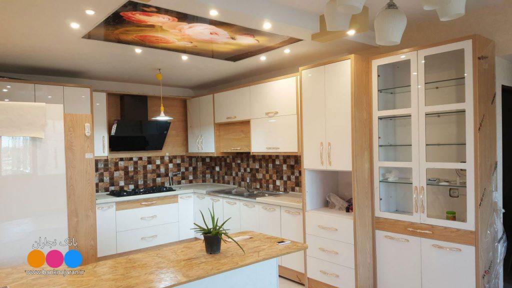 آشپزخانه کوچک با کابینت مدرن