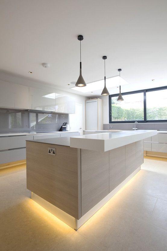 کابینت آشپزخانه با نور مخفی