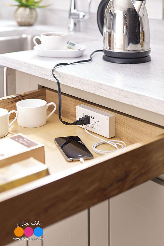 جا سازی پریز برق در کشو آشپزخانه