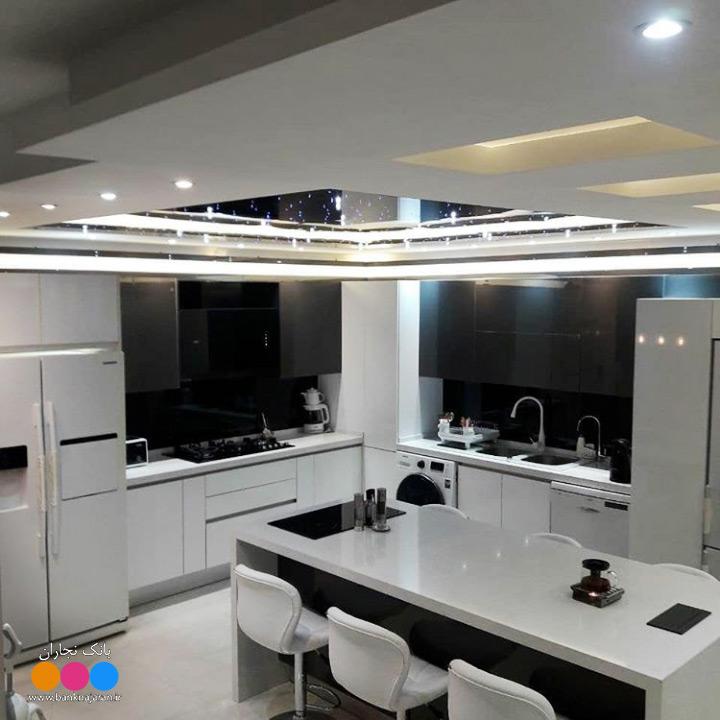 کابینت آشپزخانه مدرن سفید طوسی هایگلاس 2