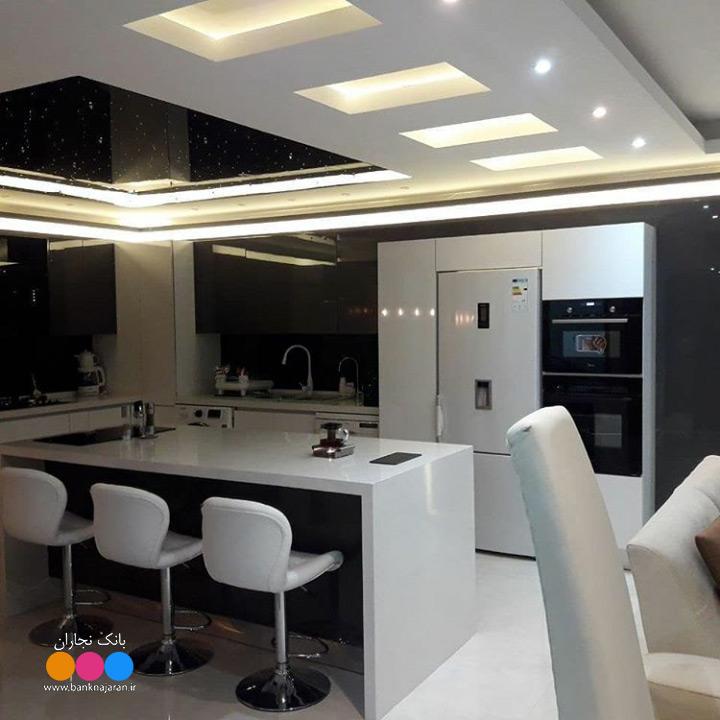 کابینت آشپزخانه مدرن سفید طوسی هایگلاس 5