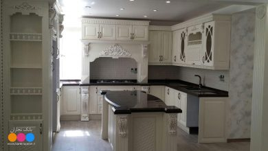 Photo of عکس کابینت آشپزخانه ممبران سفید با صفحه کورین مشکی