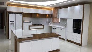 Photo of کابینت آشپزخانه سفید شکلاتی های گلاس مدرن بدون دستگیره