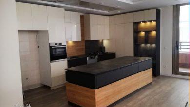 Photo of 5 عکس از کابینت آشپزخانه ایرانی مدرن سه رنگ با جزیره